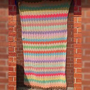 Vintage Pastel Tone Zig Zag Afghan Blanket 89x46